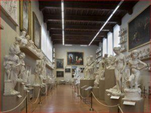 Interno della Galleria dell'Accademia di Firenze.