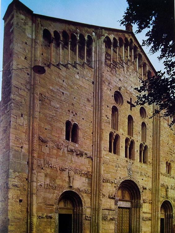 Basilica di San Michele a Pavia - la facciata della chiesa
