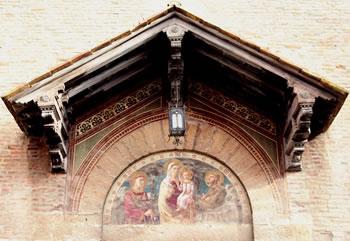 Lunetta della facciata della chiesa di San Francesco a Grosseto