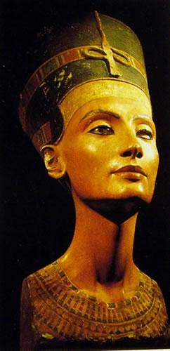 La regina Nefertiti, Calcare dipinto, Staatliche Museen, Berlino