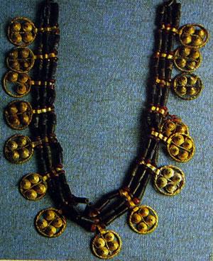 Collana della regina Puabi di Ur. Museo irakeno di Baghdad