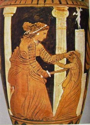 """Anfora del """"Pittore di Issione"""": particolare di Medea che sgozza un suo figlio"""