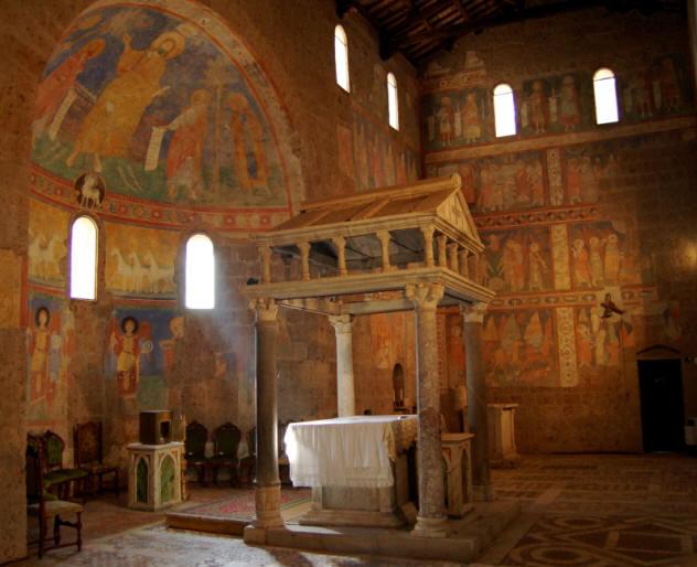 Il ciborio e gli affreschi nella basilica di Sant'Elia a Castel Sant'Elia